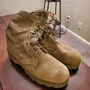 Coyote tan jungle combat boots size 10.5 Narrow